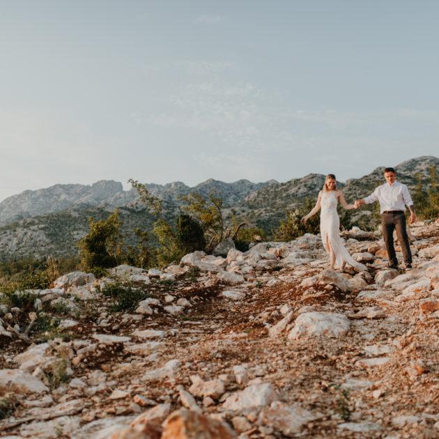 Brautpaar Portraits authentisch, liebevoll in natürlicher Umgebung.